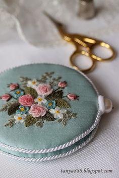 Татьянина мастерская: Игольник в цветочек.