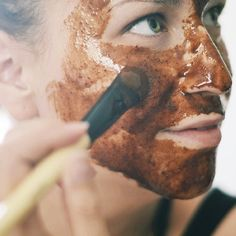 """A simple easy diy Indian """"Mud"""" mask and sea salt toner, perfect for an at-home spa day. Raw Beauty, Beauty Spa, Beauty Cream, Organic Beauty, Health And Beauty, Beauty Hacks, Be Natural, Natural Face, Natural Beauty Recipes"""