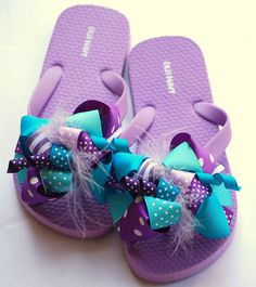 boutique FUNKY fun PURPLE and TURQUOISE bow flip flops