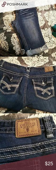 Amethyst jeans capris Cut off capris Amethyst Jeans Pants Capris