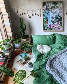 Bohemian Bedroom And Bedding Design Ideas Bohemian Bedroom Bedding bedroom Bohemian bohemianbedroom Design ideas Room Decor Bedroom, Diy Room Decor, Home Decor, Bedroom Ideas, Aesthetic Room Decor, Dream Rooms, Cool Rooms, House Rooms, Cats