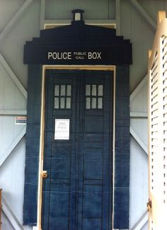 How to build a Tardis {Dr Who} party decoration...For You Tatiana!!!