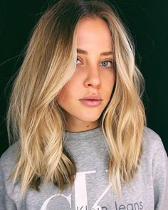 length Curly Hairstyles 9 Best Fall Hair Trends That Will Inspire Your Next Look Thin Hair Haircuts, Cool Haircuts, Bob Hairstyles, Mid Length Hairstyles, Fashion Hairstyles, Ombré Hair, New Hair, Medium Hair Styles, Short Hair Styles
