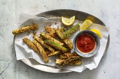 We guarantee that even the pickiest of eaters will love these Baked Zucchini Sticks from The Skinnytaste Cookbook! The only complaint you'll expect to hear is that you didn't make enough. Zucchinis...