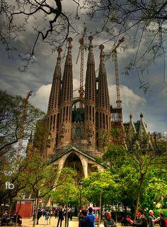 La Sagrada Familia, Barcelona, España. por Felipe Beiza   Barcelona Airport Private Arrival Transfer Excursions in Barcelona Holidays in Barcelona Sightseeing tours, airport transfers, taxi, interpreter and your personal guide in Bar