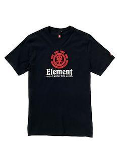 Die vier Element sind bei diesem Shirt des gleichnamigen Labels im Frontprint vereint. Reine Baumwolle sorgt für angenehmen Tragekomfort.