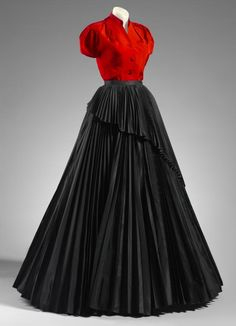 A/W 1952, France - Evening ensemble from the Profile line collection by Christian Dior - Silk, rayon, cotton, baleen, metal