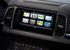 2017 Skoda Karoq with SmartLink System, supports Apple CarPlay and Android Auto.