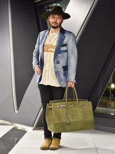 """UNITED ARROWS & SONSのハット「5525gallery×KIJIMA TAKAYUKI(5525ギャラリー×キジマ タカユキ) WIDE BRIM OLIVE」を使ったMotofumi""""Poggy""""Kogiのコーディネートです。WEARはモデル・俳優・ショップスタッフなどの着こなしをチェックできるファッションコーディネートサイトです。"""