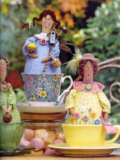 Tea Cup Dollies from the Country Threads Magazine / Happy Heart Patterns