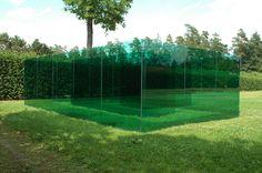 AT, Graz, Skulpturenpark.  Labyrinth. Matta Wagnest, 2005. Colored floatglas / steel / concrete, 1000x800x300cm.