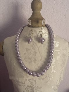 This pretty glass pearls are going make your wardrobe jazz up!  *Necklace: 15inc long *Earring: 1.5 inch long