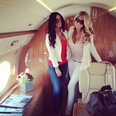 we fly only private ; Travel Chic, Travel Style, Luxury Helicopter, Snapchat, White Jeans Outfit, Luxury Lifestyle Fashion, Billionaire Lifestyle, Luxe Life, Private Jet