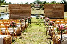 Outdoor barn wedding!