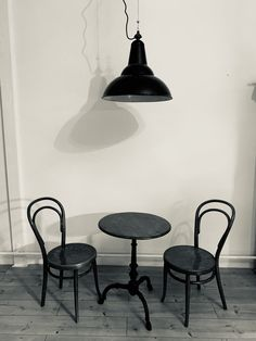 30er Jahre Industrielampe Lighting, Chair, Furniture, Home Decor, Environment, Ad Home, Decoration Home, Room Decor, Lights
