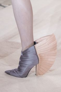 Balmain made its return to the couture world after 16 years. See pictures from the Balmain Haute Couture runway here. Balmain Shoes, Balmain Paris, Couture Fashion, Paris Fashion, Fashion Show, High Fashion, Creative Shoes, Plastic Shoes, Pastel Outfit