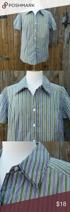 Lane Bryant Striped Career Button Down Top Size 18 Button Down Fabric is gathered or pleated around the edge of sleeves Short Sleeves 97% Cotton & 3% Spandex  Measurements Bust is 44 inches Length of top is 26 inches  Top is in excellent pre-owned condition! Lane Bryant Tops Button Down Shirts
