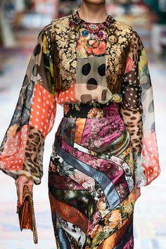 Fashion Details, Love Fashion, Runway Fashion, High Fashion, Fashion Show, Womens Fashion, Fashion Design, Haute Couture Fashion, Fashion Prints