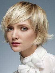 38 Chic Short Bob Haircuts With Bangs That Are Totally Fabulous - Short Bob Cuts Popular Short Hairstyles, Medium Bob Hairstyles, Short Bob Haircuts, 2014 Hairstyles, Stacked Hairstyles, Workout Hairstyles, Blonde Hairstyles, Vintage Hairstyles, Short Hair Cuts For Round Faces