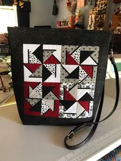 Pinwheel tote bag 5x5 6x6 in the hoop machine embroidery design