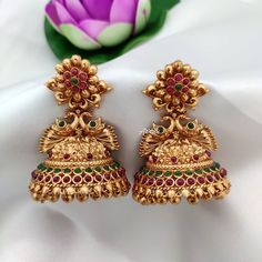Designer American Diamond jewellery from Aaryah Design, perfect South Indian Jewellery for all ocassions. Gold Jhumka Earrings, Indian Jewelry Earrings, Jewelry Design Earrings, Gold Earrings Designs, Designer Earrings, Jhumka Designs, India Jewelry, Antique Earrings, Ring Designs