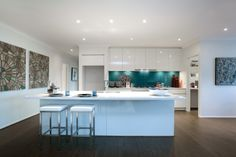 I just viewed this amazing Kew 28 Kitchen style on Porter Davis – World of Style. How about picking your style?