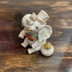 Vintage Porcelain Elephant Figurine St. Patrick's Day Elephant Statue Lucky Irish Elephant Hollywood Regency, Garden Frogs, Vintage Blanket, Elephant Figurines, Glass Ceramic, Vintage Walls, Vintage Home Decor, Decoration, St Patricks Day