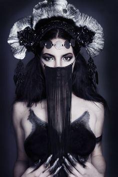 *PHOTO OF THE DAY*Photography: Sasha SheldonModel:Alexandra MathewsHeadpiece:Miss G DesignsMakeUp & Hair: Teal DrudaBody Art: Julian Weiss