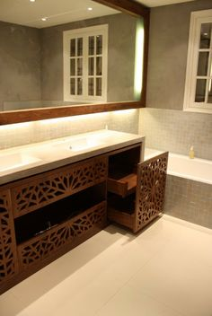 Wood screen vanity | Z DESIGN