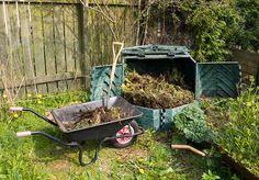 Du trenger ikke kaste hageavfall og grønnsaker i søpla. Lag heller en…