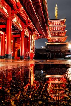 Sensoji Temple in Asakusa, Tokyo - MostBeautiful Japon Tokyo, Aesthetic Japan, Travel Aesthetic, Asian Architecture, Amazing Architecture, Tokyo Japan Travel, Japan Trip, Akira, Paisajes