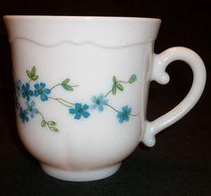 VINTAGE ARCOPAL FRANCE VERONICA PATTERN SET OF 8 CUPS MILK GLASS