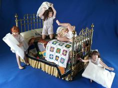 Miniatures. Doll Art | Slumber Party! Bed by Connie Sauve, girls by Susan Scogin