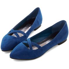 ModCloth Minimal Style Pointers Flat (110 BRL) ❤ liked on Polyvore featuring shoes, flats, blue, modcloth, shoes flat, ballet flat, flat, flat pump shoes, blue shoes and ballet flat shoes