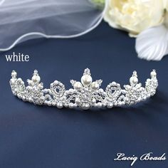 Bead Jewellery, Hair Jewelry, Bridal Jewelry, Beaded Jewelry, Beaded Bracelets, Flower Headpiece Wedding, Bridal Headpieces, Kids Tiara, Hair Design For Wedding