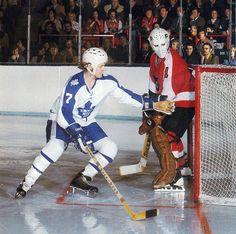 Lanny McDonald and Bernie Parent. Hockey Shot, Women's Hockey, Ice Hockey Teams, Hockey Players, Hockey Rules, Nhl, Lanny Mcdonald, Bernie Parent, Maple Leafs Hockey