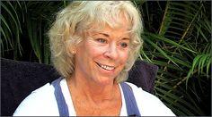 Gangaji - (born in Texas, 1942) is an American born spiritual teacher and author. She was a disciple of Poonja.   http://www.ilgiardinodeilibri.it/libri/__tu-sei-quello.php?pn=130