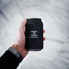 """Random inspo: Chanel In honor of Sunday, I thought I'd share some luxurious inspo for you – so here it comes, """"random inspo: Chanel""""! Black N White, Black Love, Black Is Beautiful, Back To Black, Matte Black, Black Picture, All Black Everything, Design Graphique, Classy And Fabulous"""