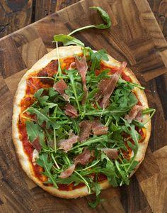 Arugula & Prosciutto Pizza and Fool-Proof Thin Crust Pizza Dough — via @TheFoxandShe
