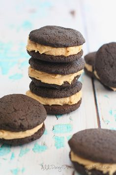 A healthier whoopie pie! With low carb almond flour cookies and creamy peanut butter filling.