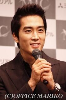 Article du 03 18 mai 2012   avec un sourire ~ You & I