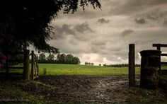 Field of dreams (and since this is Scotland — a wee bit of mud too) @Outlander_Starz #Outlander #potd pic.twitter.com/1Wk1Mck5UL