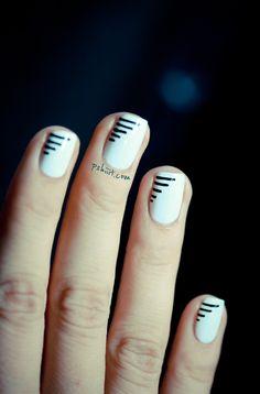Minimal Line Nail Art