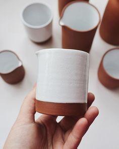 This small terracotta milk jug made by Ceramic Tableware, Porcelain Ceramics, Ceramic Mugs, Ceramic Pottery, Pottery Art, Ceramic Art, Ceramics Pottery Mugs, Slab Pottery, Pottery Studio