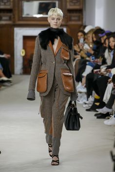 Loewe Fall 2018 Ready-to-Wear Fashion Show Collection