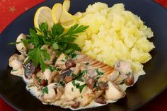 Gombás halfilé Hungarian Recipes, Hungarian Food, Healthy Recipes, Healthy Food, Risotto, Potato Salad, Mashed Potatoes, Seafood, Paleo