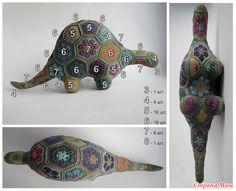 53 ideas knitting animals african flowers for 2019 Crochet Toys Patterns, Amigurumi Patterns, Crochet Motif, Diy Crochet, Crochet Crafts, Yarn Crafts, Crochet Flowers, Crochet Projects, Crochet Amigurumi
