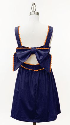 Navy and Orange! Thank God I can wear this at school next year