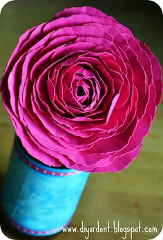 DIY or Don't!: {Tutorial} Paper Ranunculus Flower - Free Download!