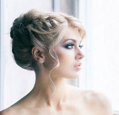 gros chignon et tresse délicate - coiffure mariage cheveux longs